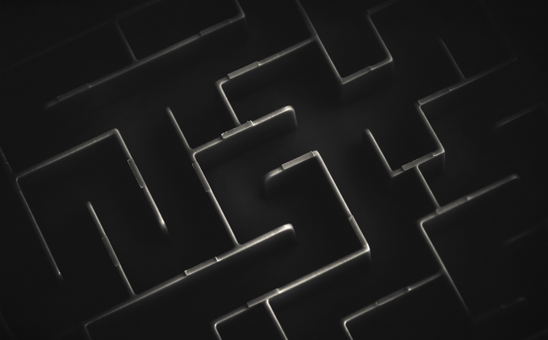 black-and-white-maze-background